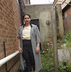 Selina M - Vintage Sale Houndstooth Coat, Self Made Gingham Daisy Puff Top, Hell Bunny Polka Dot Capris - You're so vain, you think this coat was bought for you