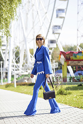 Pepa Days - Chanel Bag, Zerouv Shades, Suit - Blue suit