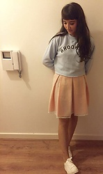 Charli E. - Forever 21 Brooklyn Jumper, Marks & Spencer Pink Skirt, New Look White Sneakers - In your (boyfriend's) dreams