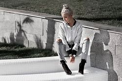 Krist Elle - Zazzy Grey Cropped Bomber, Http://Solewish.Com Black Velvet Ankle Boots Perspexheels - How to wear velvet boots