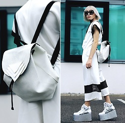 Milex X - Twist And Turn Jumpsuit, Giant Vintage Sunglasses, Poppybags Backpack, Yru Platforms - OUT OF THIS WORLD