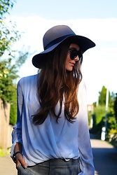 Freja Erikson -  - HAT KINDA DAY