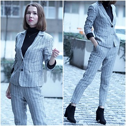 Anastasiia G - Suit, Deichman Suede Boots - The Power Of Wearing The Suit