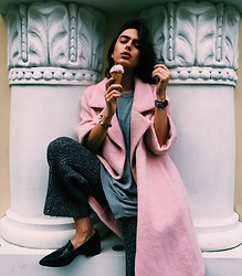 Agnija Grigule - H&M Cotton Candy Pink Coat, Zara Pointed Loafers, Sonder The Label Knitted Trousers, Kapten & Son Watch - BUBBLE GUM ICE CREAM