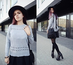 Ola Brzeska - Zaful Backless Sweater, New Look Fringed Bag, Cndirect Hat, Born2be.Pl Boots - Japan style