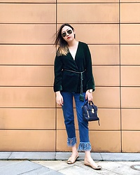 Carrie Tong - H&M Velvet Rope, Bershka Frayed Denim, Ray Ban Sunglasses, 3.1 Phillip Lim Mini Pashli, Klasse14 Rose Gold Watch, Sam Edelman Flats - Fall colors