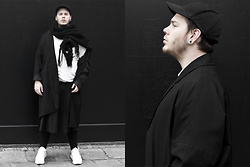 Wyatt Morgan - Weekday Black Cap, Monki Wool Scarf, Weekday Oversized Coat, Weekday White Turtleneck, Adidas Tubular - 14 10