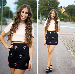 Carina KL - River Island Top, Nelly Skirt - Saturdays look