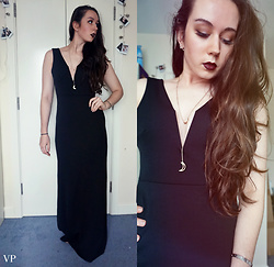 Victoria P - Missguided Long Black Dress, Forever 21 Crescent Moon Necklace - My Moon and Stars...