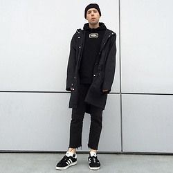 Marshall Heritage - American Apparel Coat, Hood By Air Hoodie, Uniqlo Chinos, Adidas Gazelle - (╯_╰)