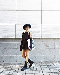 WMwatchme - American Apparel Top, American Apparel Skirt, Rag & Bone Canvas Bag - Navy blue