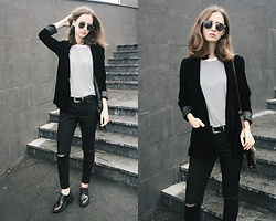 Daria Moysa - Zaful Belt, Zaful Sunglasses - Grunge chic