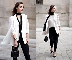 Barbara Kucharska - Second Hand Cape, Stradivarius Scarf, Zara Blouse, Michael Kors Watch, Stradivarius Bag, Pull & Bear Pants, Zara Heels - White Cape