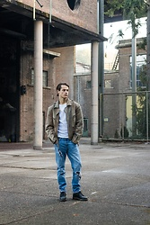 Bart Merks - Vintage Leather Jacket, Levi's® 501ct Jeans, Tommy Hilfiger White Shirt, Dr. Martens Black Boots - Living on the edge.