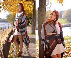 Anaivilo B - C&A Wool Poncho - The Mexican Superman