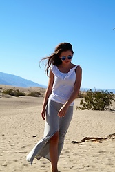 Freja Erikson -  - IN THE DESERT - SIMPLE OUTFIT