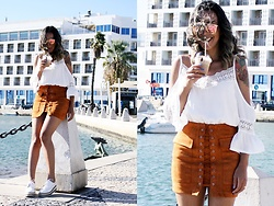 Cá Cavalcant - Skirt Lace Up, Top, Oxford Flatform, Sunglasses - Cold Coffee Please!