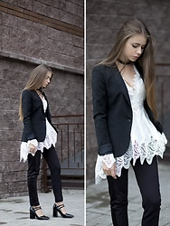 Anna Vershinina - Chicwish Blouse - Classics