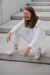 Sára Sošková - Http://Www.Weareferdinand.Cz, Mango Suit, Pimkie Shoes, Zara Top - We are ferdinand