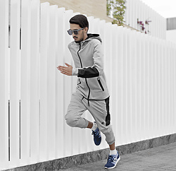 Mohcine Aoki - Komono The Bennet Concrete, Teamm8, Courir Asics Gel Lyte 3, Asics - Faster than light