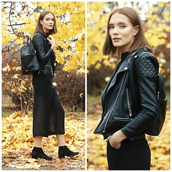Petra Karlsson - Urban Outfitters Jacket, Vipme.Com Jump Suit - All black