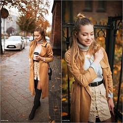 Juliette Jakubowska - Coat - CAMEL COAT, LACE UP SKIRT AND TURTLENECK SWEATER