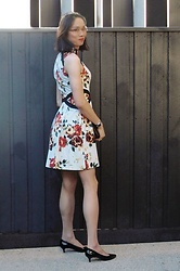 Natalie Lim - Cue Floral Party Dress With Contrast Black Piping And Copper Coloured Front Zip, Nine West Heels - OOTD – The mood is floral on Melbourne Cup day 2016