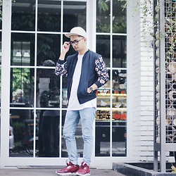 Poldo Napitupulu - Topman Cap, Bershka Bomberjacket, Adidas Tubular Shoes - Rainy days