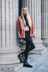 Laura Simon - Zara Satin Military, Calvin Klein Black White Ck, Na Kd Gold Moon, Zara Black High Waist, River Island Black Gold Cut Out - Military Streetstyle