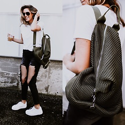 Jenna Boron - Asos Mesh Backpack, Asos White Flatform Sneakers, Windsor Destructed Denim, Forever 21 White Tee, Windsor Rhinestone Choker, Ray Ban Ray Ban Aviators - I've Got Your Back(pack)