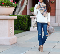 Stylish Petite -  - Casual and Chic