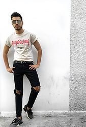 His Love Of Fashion Blog - Purpose Tour Graphic Tshirt, H&M Leather Belt, Zara Black Ripped Denim, Adidas Sneakers, Spitfire Mirrored Sunglasses - Purpose