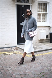 Elvira Vedelago - Ray Ban Round Sunglasses, H&M Mohair Blend Jumper, Valentino Glam Lock Shoulder Bag, Zara Pleated Midi Skirt, H&M Thin Socks, Zara Studded Sandals - With Dreams So Far-Fetched