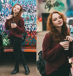 Polina B. - American Apparel Sweater, Brandy Melville Usa Jeans, Portal Shoes, Grafea Bag - Grafity