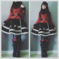 Yumi E.G. - Baby The Stars Shine Bright Tartan Jacket, Angelic Pretty Velvet Skirt, Love Me Tights, Axes Femme Boots - Under the last snow