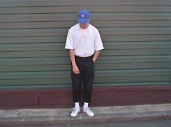 Miguel Valero - Chicago Cubs Baseball Caps, Aland Sweater, I Love Ugly Kobe Pant, Adidas Stan Smith - Malenkii X Cubs
