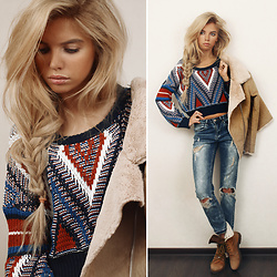 Ekaterina Normalnaya - H&M Camel Jacket, Multicolor Chevron Pattern Chunky Knit Jumper, Ripped Jeans - The win-win combination