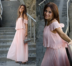 ManueLita - Rosegal Long Dress, Mary Frances Bag, The Seller Sandals - Plissettato ... una mania !!!