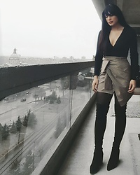 Pari - Kendall And Kylie Over The Knee Boots, Storets Front Tie Skirt, American Apparel Juliard Top - Black and Brown Winter Practical