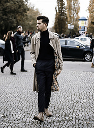 Dominik H. Mueller - Burberry Vintage Coat, Closed Black Shorts, Calvin Klein Pullover, Vagabond Brown Boots - Last Sunday
