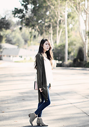 Elizabeth T - Forever 21 Open Knit Longline Cardigan, Abercrombie & Fitch Lace Cami, Forever 21 Low Rise Ankle Skinny Jeans, Blondo Valli Waterproof Bootie, Kate Spade Paterson Court Brynlee - Olive Green Longline Cardigan for Fall