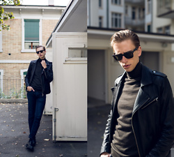 Oliver Lips - Hugo Boss Roll Neck Sweater - Thoughts on Blogging in 2016