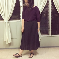 Christa U. - Uniqlo Pleated Skirt, Willow Clothing Purple Top, Ipanema Green Sandals - That Downward Glance