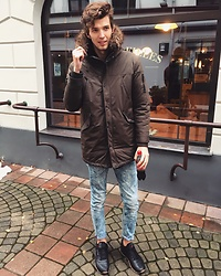 Uldis Antons - Reebok Sneakers, Pull & Bear Jeans, Bershka Parka, Aldo Watch, Zara Bomber - Winter is hear. xoxo