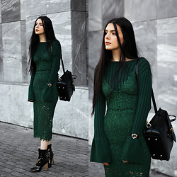 CLAUDIA Holynights - Stylewe Bell Sleeve Sweater, Vipme Backpack, Sheinside Lace Set, Ego Patent Boots, Locman Watch - Emerald green