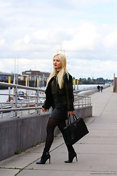 Justyna B. - Coat, Prada Bag, Guess Shoes - Short Coat
