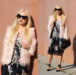 Justyna B. - Coat, Dolce & Gabbana Sunglasses, Zara Bag - Fake fur coat