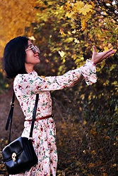 M U T Z I I - Dresslily Street Marble Oversized Square Mirrored Sunglasses, Zaful Long Sleeves Floral Dress - She could do anything. be anything.