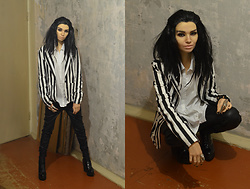 Bogena Día - H&M White Shirt, Amisu Black Leather Pants, Centro Black Boots, Rock Arsenal Ring, Kari Black Leather Bracelet, Terranova Striped Jacket - Cosplay Bill Kaulitz (Tokio Hotel)