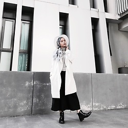 Azra Syakirah - Ecco Chelsea Boots, November Culture Turtleneck Top, Primark Coat, Miniso Hat - Concrete